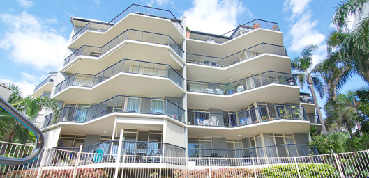 Bayview Beach Holiday Apartments, Biggera Waters Accommodation
